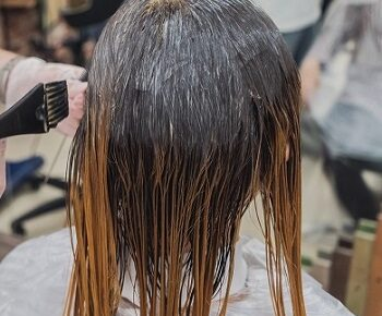 How to Colour Hair at Home in Hindi