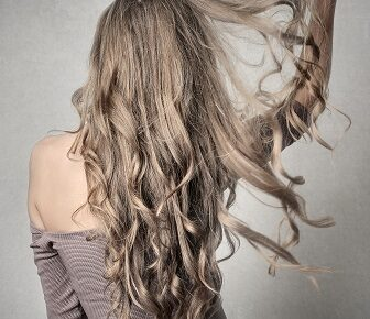 How to Make Hair Healthy in Hindi