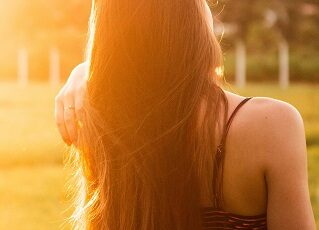 How to Take Care of Long Hair in Hindi