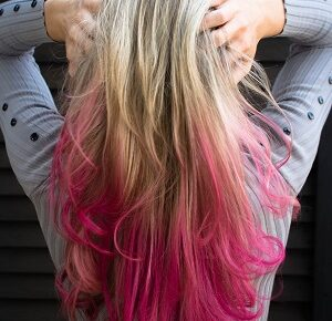 Tips to Take Care of Coloured Hair in Hindi