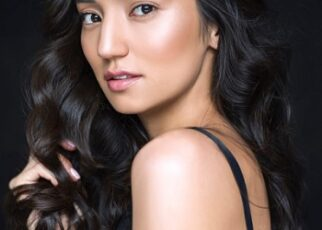 Home Remedies for Glossy Black Hair in Hindi